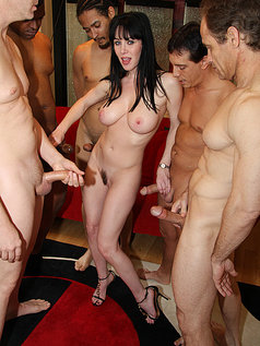 RayVeness Gets Her Mouth Filled With A Whole Lot Of Ball Butter In This Hot Photo Set!