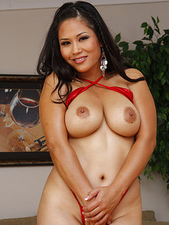 Jessica Bangkok Acts Shy... Before Giving a Blowjob Gang Bang!