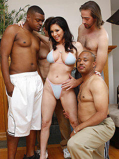 RayVeness Gives a Blowjob Gang Bang