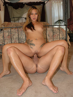 Gianna Lynn's Horny Pussy Wants to Ride