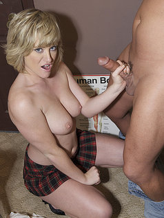 Naomi Cruise Drives Him Crazy with a Handjob