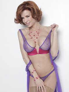 Veronica Avluv is What Feeling Good Looks Like