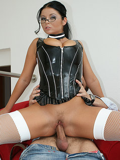 Christina Jolie - Uptight Pussy
