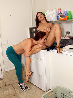 Karlie Montana and Jenna Sativa - Washing and Tongues
