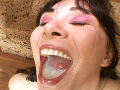 Sexy Brunette RayVeness wants you to know that she just fucking loves to be watched when she sucks cock!