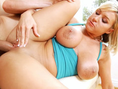 Big Tit Blonde Memphis Monroe