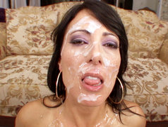 Zoey Holloway Gets Her Face Covered After A Severe Cock Bashing!