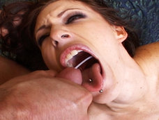 Jenna Presley Does Deep Throat and Squirting During Sex