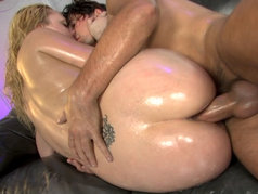 Annette Schwartz Goes Totally Wild During Anal!