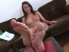 Sweet Feet: Denisa, Akasha and More - Show Me Your Toes