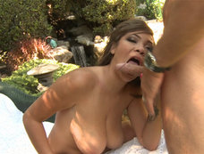 Cassidy Banks Gets Outdoor Sex