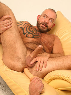 Scott Gable and his enormous dildo!
