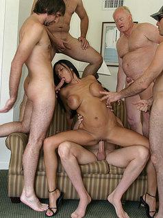 Tera Leigh vs Five Guys