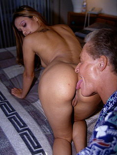 Titty Show-Off