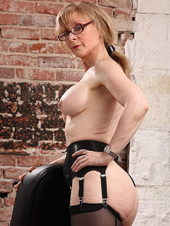 Nina Hartley - Boss Lady's Secret