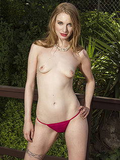 Ela Darling - Breathtaking Redhead Bares All!