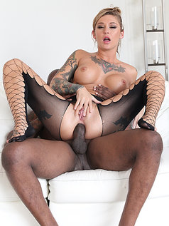 Kleio Valentien - Wetter is Better