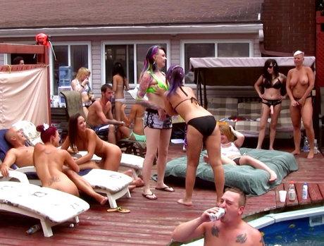 Exterior Group Sex 1 - Scene 1