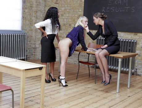 Young Harlots Classroom Special 1 - Scene 5