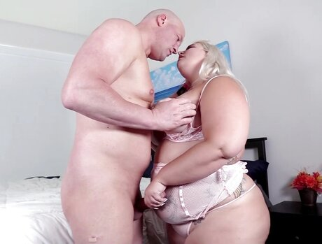 Blonde Bbw Bombshells 1 - Scene 5