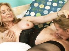 Nina Hartley Disciplines Ariel X!