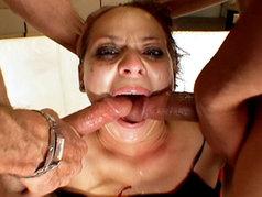 Malorie Marx's Face Hosts a 2 on 1 Blowjob