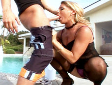 Blonde Babe Chelsea Zinn Gets Fucked By Two Hard Cocks!