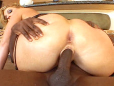 Flower Tucci Squirting for 2 on 1 Interracial Anal and DP