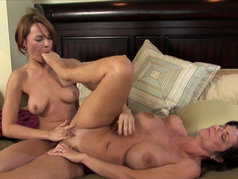 MILF Deauxma Seducing College Hottie Dana Dearmond