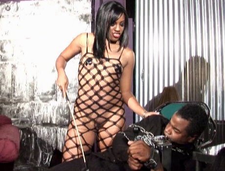 Syndee Capri Wants to Play Nympho and Servant