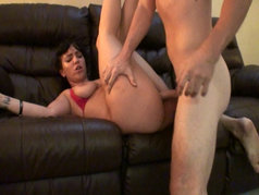 Amateurs Exchanging Oral and Fucking in POV