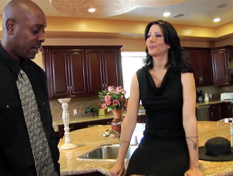 Zoey Holloway - Hot MILF Does Interracial Anal