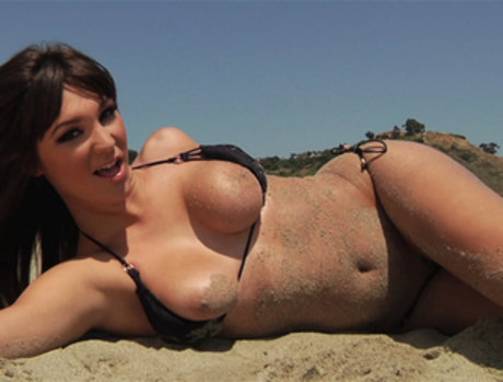 Holly Michaels Picks Up Anal at the Beach