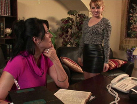 Lexi Belle Eats Zoey Holloway for Lunch at the Office