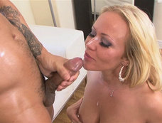 Austin Taylor - Chubby MILF is Cumshot Approved