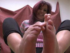 Sweet Feet: Amirah, Bijou and more - Show Those Toes