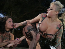 Bonnie Rotten and Vixen Steel - Down and Dirty