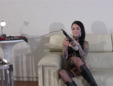 Leigh Raven and Lyra Law - Mistress and Her Pet