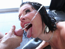 Veronica Avluv Gets an Anal Drilling