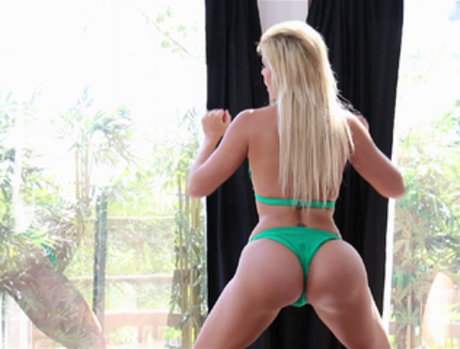 Savana Styles Shows Off and Gets Fucked