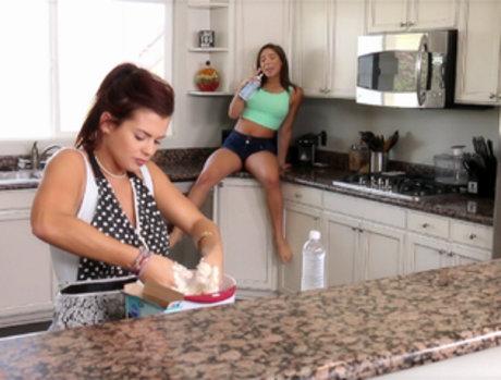 Abella Danger and Keisha Grey - Eat Me