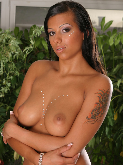 Penelope black diamond tits