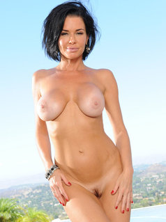 Watch all Veronica Avluv Videos on LesboNetwork