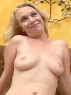 Scarlett Summers
