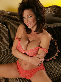 Watch all Deauxma Videos on LesboNetwork